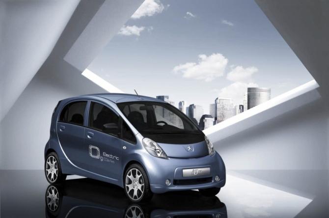 Peugeot iOn Electrique 1