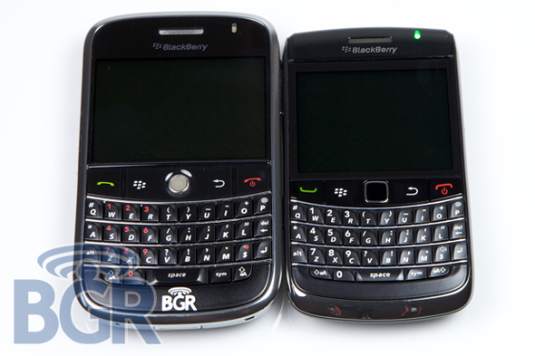 blackberry-bold-9700-vs-9000-1