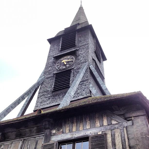 Le clocher de l'eglise Saint-Catherine