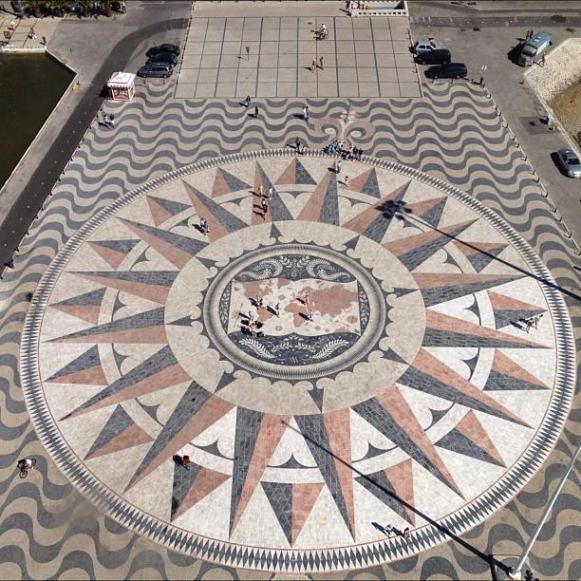 Lisbonne rosace monument aux découvertes