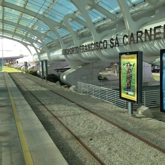 Aéroport Porto Tram