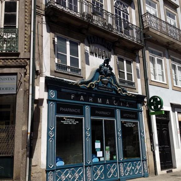 jolie pharmacie Porto
