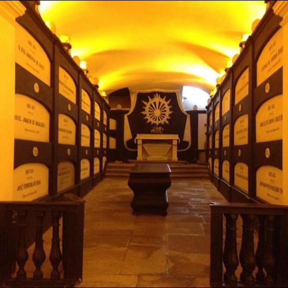 église Sao Francisco catacombes