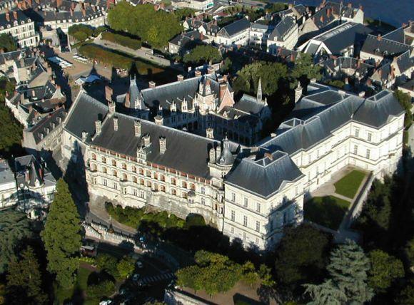 chateau de Blois exterieur