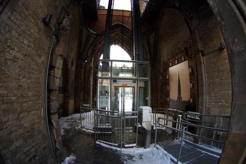 061_Hambourg - 18-12-2010  (61) - Nikolaikirchturm