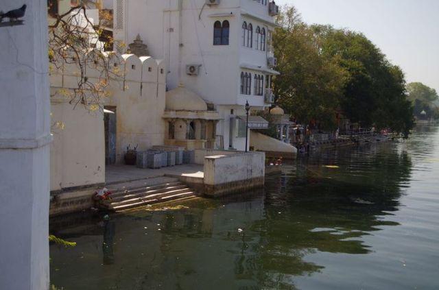 2014-03-14 Inde Udaipur Lake Pichola Gats