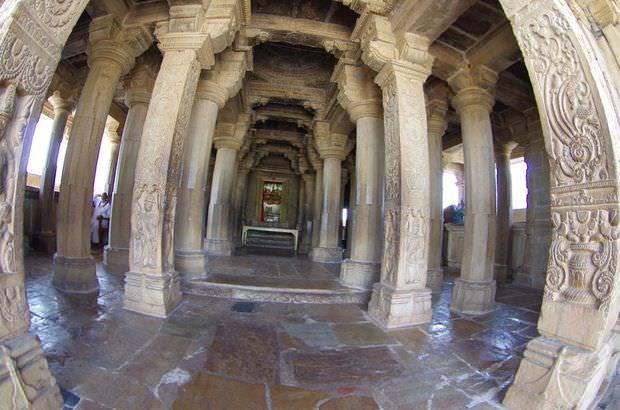 2014-03-15 Inde Chittorgarh Temple Meera