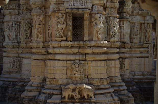 2014-03-15 Inde Chittorgarh Temple Swethamber Satbis Deori
