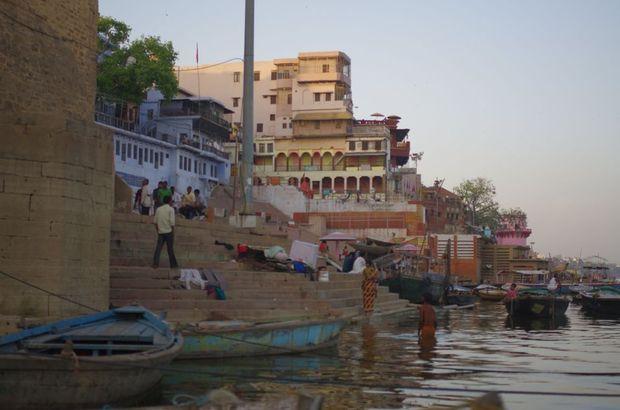 2014-03-21 Inde Varanasi Boat Tour Ghats