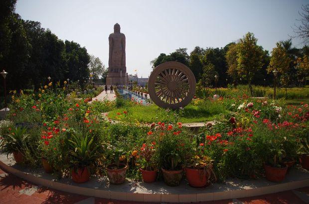 2014-03-21 Inde Varanasi Wat Thai Sarnath