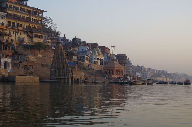 2014-03-22 Inde Varanasi Ghats Cremation Manikarnika