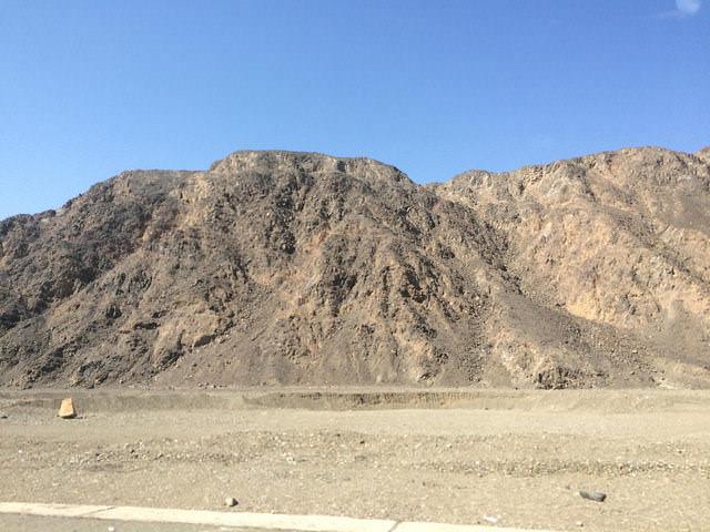 2014-11-11 Egypte Route Desert MarsaAlam Edfu