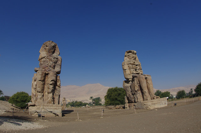 2014-11-12 Egypte Louxor Colosses Memnon