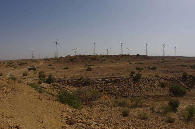Ceci n'est pas une photo des éoliennes au Maroc, c'est juste une photo prise par mes soins en Inde.