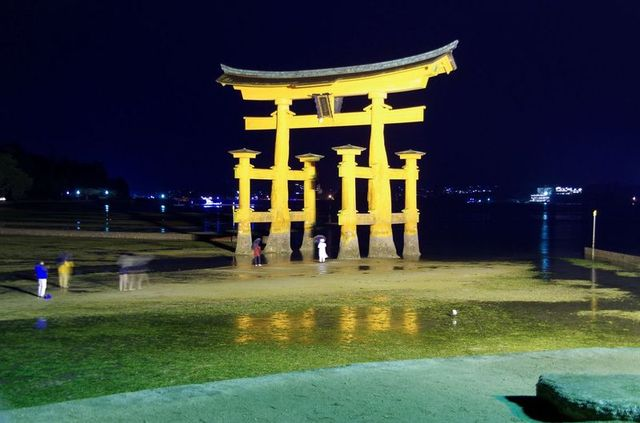 Japon - Miyajima Torii de nuit