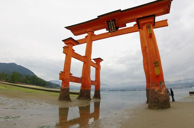 Japon - Miyajima Torii Shrine low tide