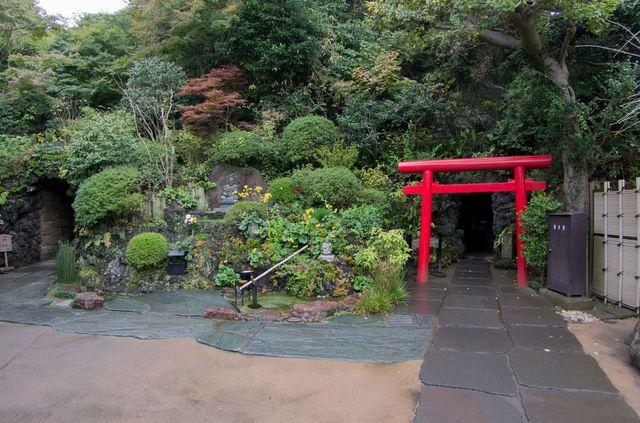 Japon - Kamakura temple Hase Dera Grotte Benten Kutsu