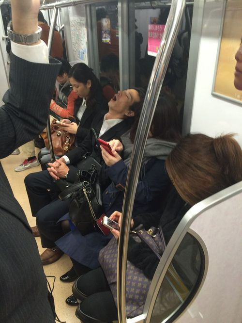 Japon - Tokyo - Metro sommeil