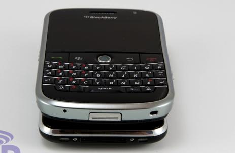 Blackberry Bold vs iPhone 3G