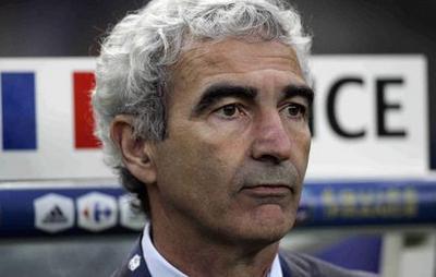 Raymond Domenech maintenu à la tête de l'Equipe de France